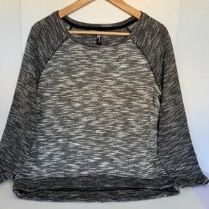 Jess Women Sweater Size M Knitted Black and White